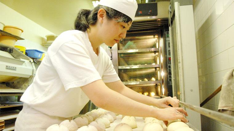 パティシエ留学プログラム修了生-パティシエとパンのディプロム取得